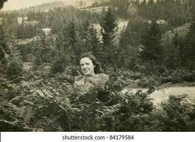 Vintage photo of woman (forties)