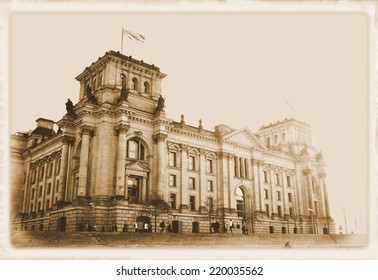 Vintage postcard depicting the Reichstag building in Berlin, Germany