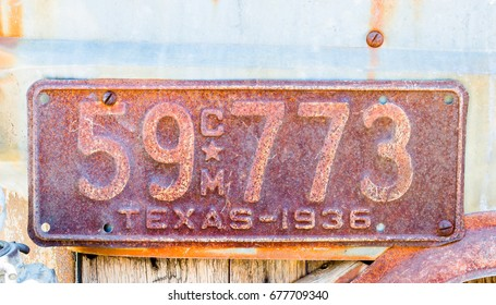 vintage rusted Texas 1936 license plate