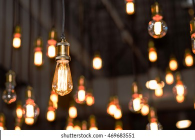 Vintage style light bulbs hanging from the ceiling