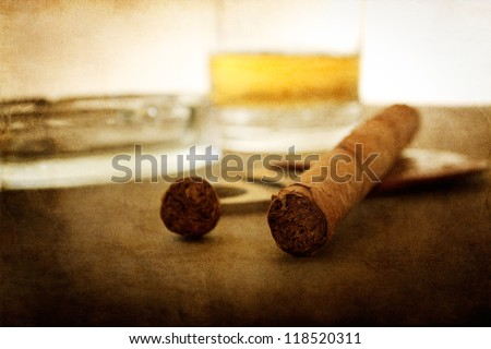 Vintage Textured Cigar Wallpaper With Whiskey In Background