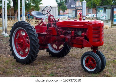 Vintage tractor, Antique tractor, old