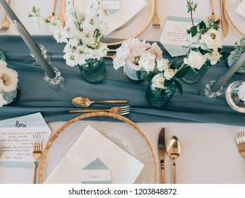 Vintage wedding decor. Beautiful event venue. Creative decoration