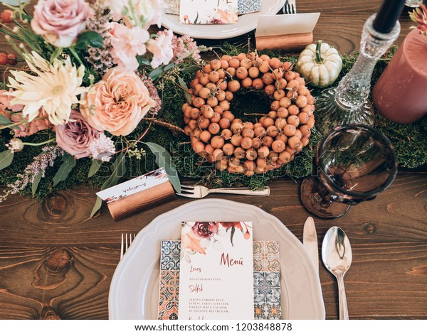 Vintage Wedding Decor Beautiful Event Venue | Vintage, Interiors ...