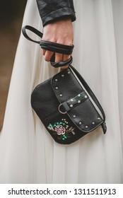 Vintage Wedding Decoration Bride Accessoires Black Leather Handbag Purse with Flowers Painting