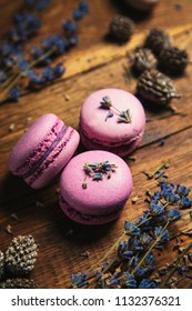 Violet macarons with lavender