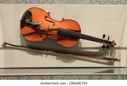 The violin and bow