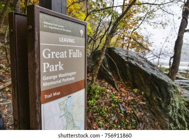 VIRGINIA - NOVEMBER 5, 2017: Hikers on an autumn day visiting the Great Falls Park