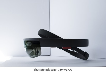 virtual reality holographic computer wearable mask