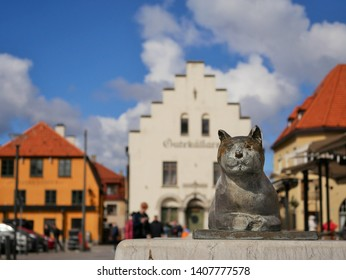visby gotland with cat in front