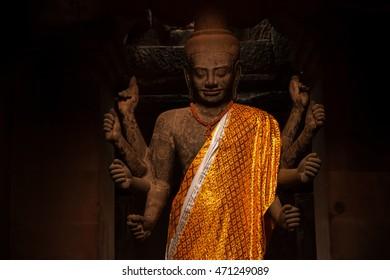 Vishnu statue in Angkor Wat temple