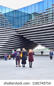 Visitors to Dundee V&A, newly opened scottish  design museum built by Kengo Kuma.  1, Riverside Esplanade, Dundee Tayside Scotland Uk. Sept 2018