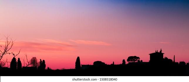 Vista di Firenze al tramonto. Foto scattate dal piazzale Michelangelo a Firenze.