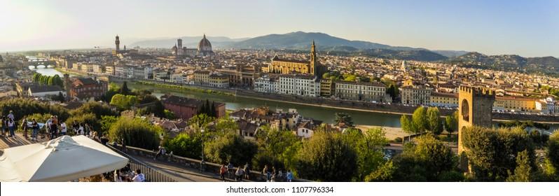 Vista spettacolare di Firenze da San Miniato al monte. 22 Aprile 2018 Firenze, Toscana - Italia