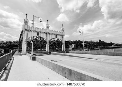 Vistas and Historical Landmarks of Pittsburgh, Pennsylvania