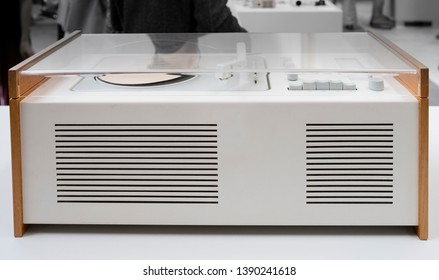 Vitsoe Leamington Spa, Warwickshire/England UK - 06.02.2018: Iconic 20c Braun early white metal and beech SK55 radiogram with acrylic lid designed by Dieter Rams