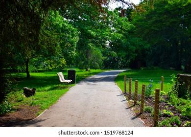 Vivid Gunnersbury Park in Spring