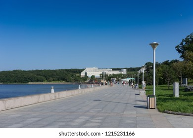 Vladivostok, Russia - August 19, 2018: UniversUniversity embankment on Russky island on a summer day.ity embankment on Russky island on a summer day.