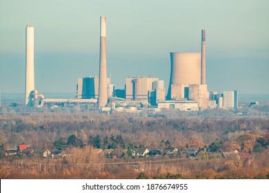 Voerde power station seen from the Rheinpreussen dump