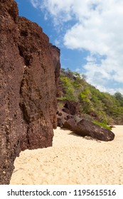 Volcanic cliffs at the end of the beautiful Makena Beach in Maui, Hawaii.