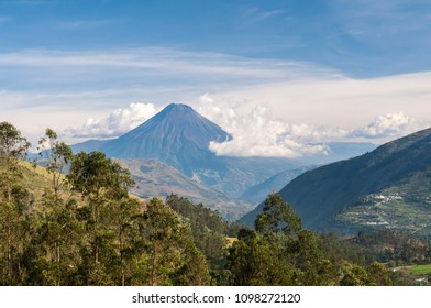 Volcano Tungurahua in the Andes near the town of Banos, Ecuador. / Volcano Tungurahua, Ecuador