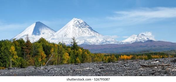 Volcanoes Klyuchevskoy(4800mactive),Kamen(4585m), Bezymianny(2880m,active)