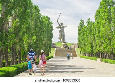 VOLGOGRAD, RUSSIA, 23 may, 2018 statue of mother Motherland Volgograd Mamaev Kurgan