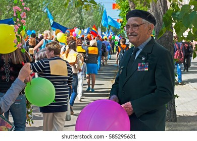 Volgograd, Russia - May 01, 2012: World War II veteran in the May day demonstration in Volgograd
