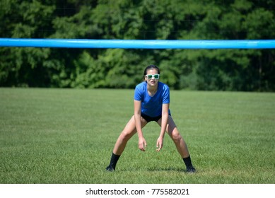 Volleybal player ready to pass