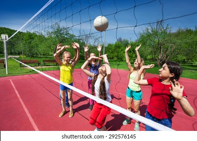 Volleyball game among children who actively play