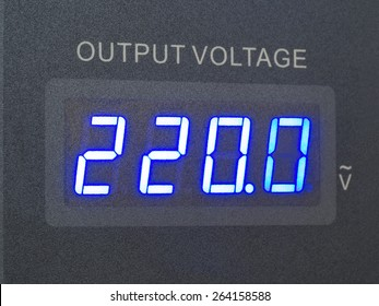 voltage output of measurement in supply source showing 220.0 volts