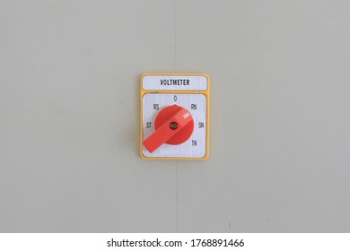 voltmeter analog on the wall