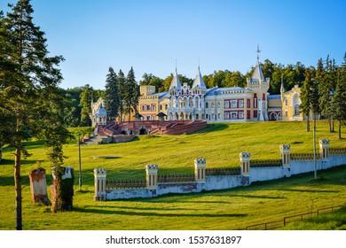 Von Derviz Manor in Kiritsy, Ryazan region