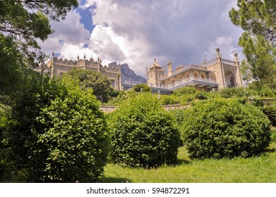 Vorontsov Palace with Ai-Petri mountains in the background