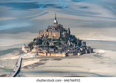 Vue aérienne du Mont Saint Michel, - 50