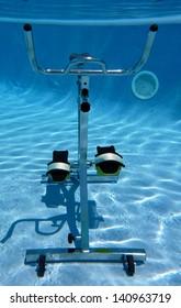 Vue sous-marine d'un v�©lo d'aquabiking