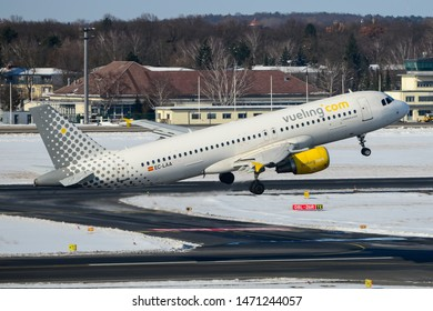 Vueling Airlines Airbus A320-214, Registration EC-LAA, Serial Number (MSN): 2678, is taking off from the Berlin Tegel Airport Berlin, March 30, 2013
