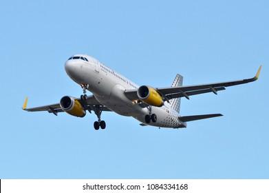 Vueling Airlines Airbus A320-232 reg. EC-LVV, preparing to land in Helsinki-Vantaa Airport, Finland. Picture taken on 04.05.2018