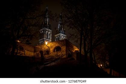 Vysehrad in Prag at night