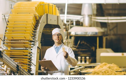 waffle factory process worker sweets fresh bakery