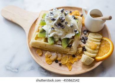 waffle,mixfruit,icecream