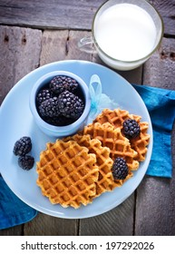 waffles with blackberry