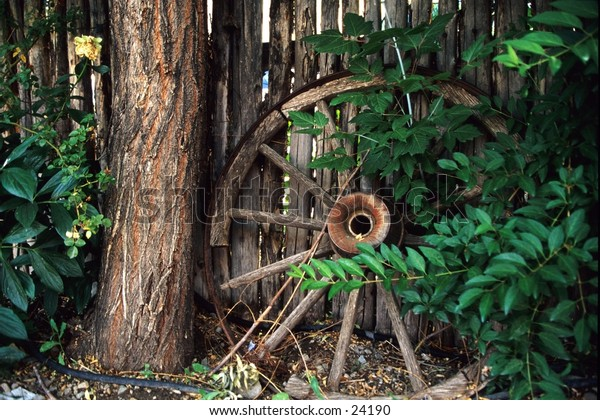 wagon wheel with tree