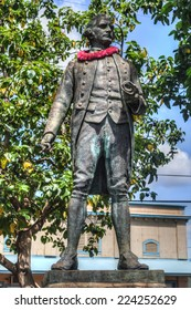 WAIMEA, HAWAII - OCTOBER 11, 2012: Statue of Captain James Cook in a small public park in the city of Waimea. The statue of commemorates his first contact with the Hawaiian Islands on January 1778.