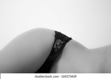 Waist girl naked with black culotte
