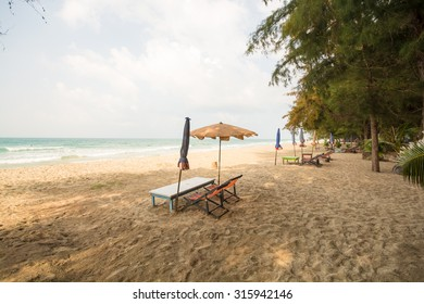 Waiting for tourists. Beautiful lonely beach near Ban Phe, Rayong, Thailand.