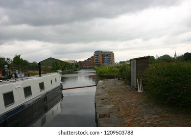 Wakefield canal and docks