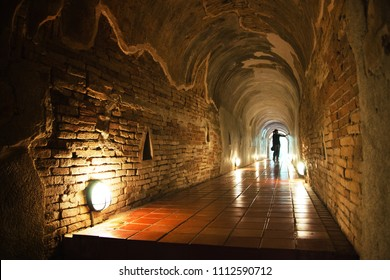 Waking tunnel in Temple