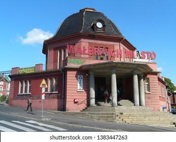 WALBRZYCH,SILESIA,POLAND-SEPTEMBER 08,2008-Beautiful railway station Walbrzych Miasto