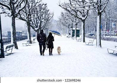A walk along Lake Zurich